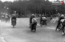 Znojmo 1962: start MR 125...