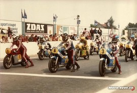 GP Brno 1975 - start třídy 500 ccm: #1 P.Read, #3 T.Lansivuori, #6 B.Sheene, #5 J.Findlay...