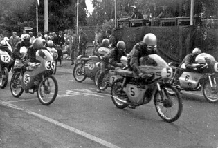 Ořechov 1971, start 50 ccm: #5 E. Klimek, Tomos 50..